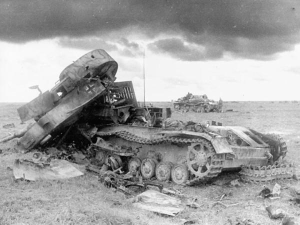 Развороченные немецкие танки