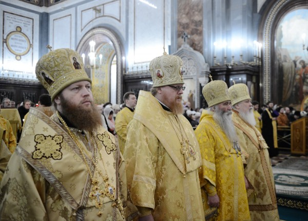 Архиереи за патриаршим молебном