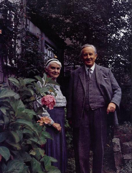 Толкиен с супругой