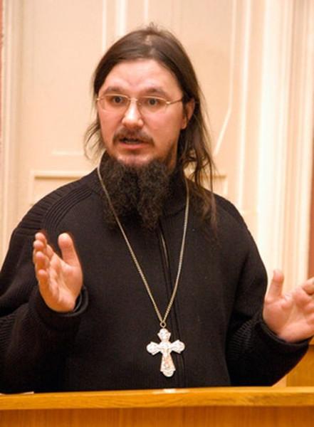 Сысоев читает лекцию