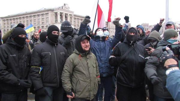 Нацисты уже в масках
