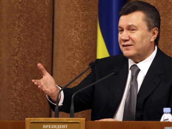 Янукович на трибуне