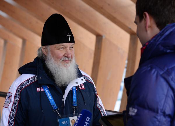 Патриарх Кирилл даёт интервью в олимпийском Сочи