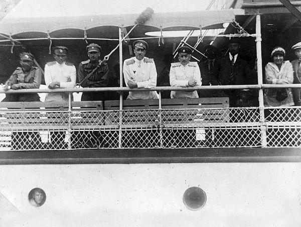 Врангель со своими офицерами на борту