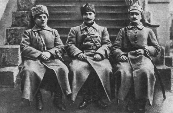 Будённый с Ворошиловым и Щаденко