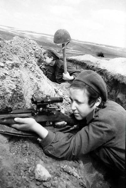 Девушки-снайперы - ловля на живца