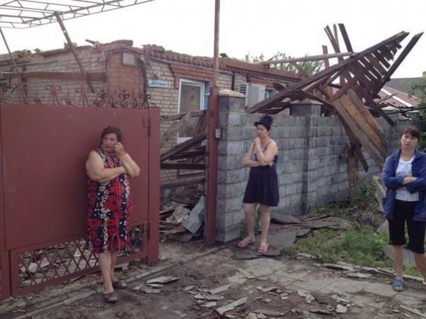 Разрушенные жилые дома в Славянске