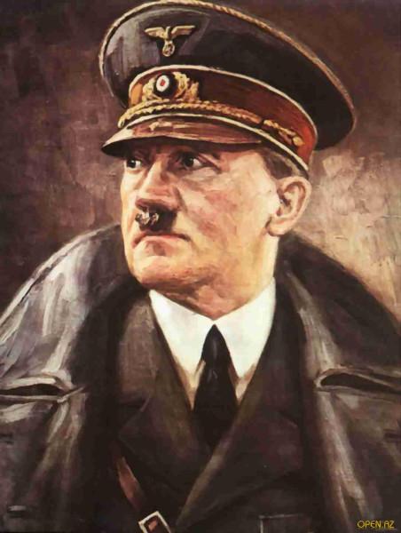 Гитлер в фуражке