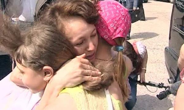 Детей из Славянска встречают в России