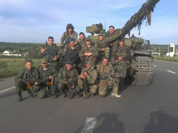 Антимайдановцы с танком