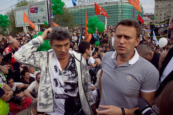 Немцов и Навальный на митинге