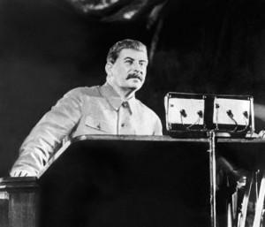 Stalin_na_tribune