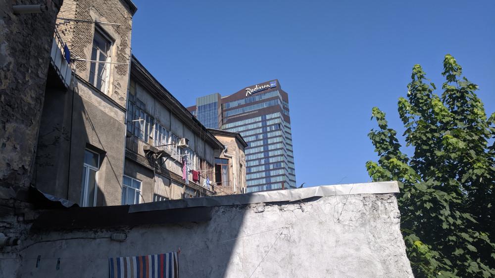 Тбилисские контрасты