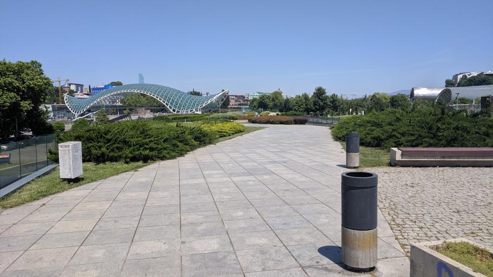 Парк Рике и мост Мира