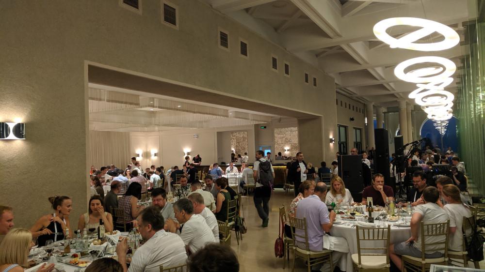Ужин в ресторане Фуникулер после первого дня конференции ENOG16.