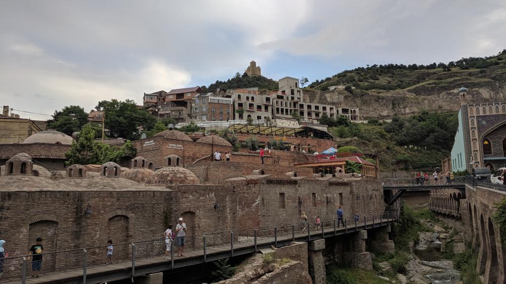 Серные бани. На горе Преображенский монастырь Табори (кликабельно).