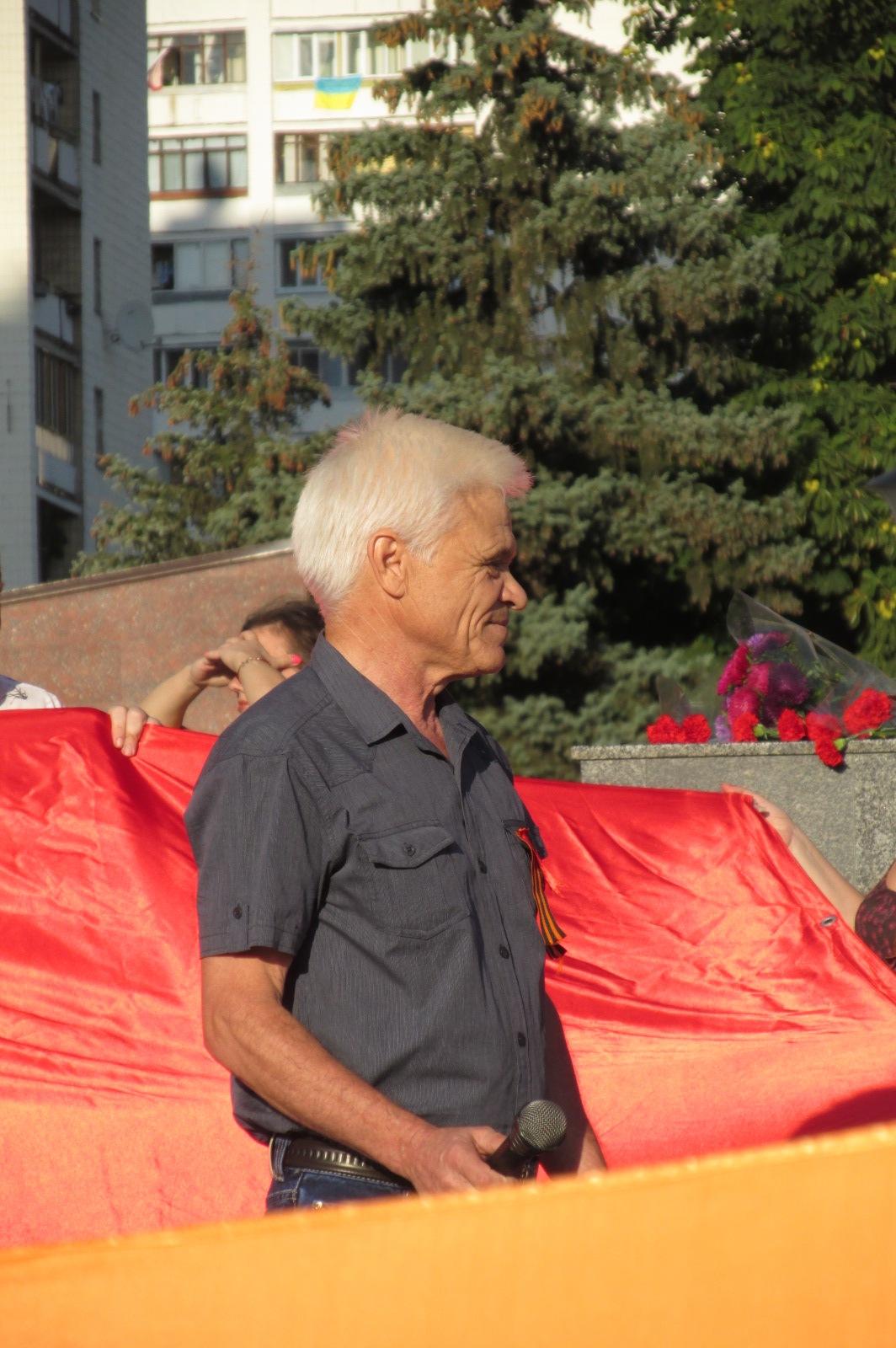 http://ic.pics.livejournal.com/mikle1/17791632/351273/351273_original.jpg