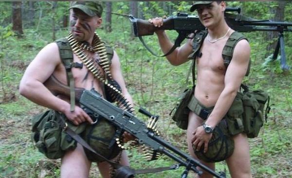 Солдаты с проститут