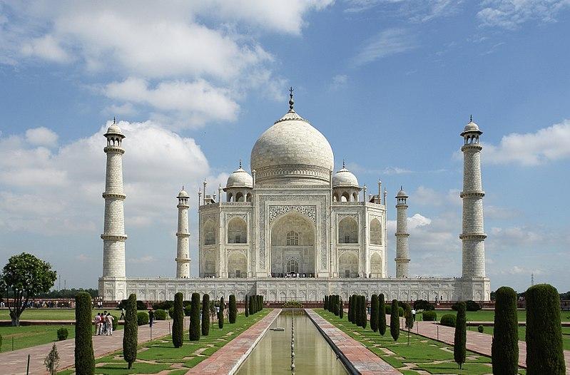 800px-Taj_Mahal_(Edited)
