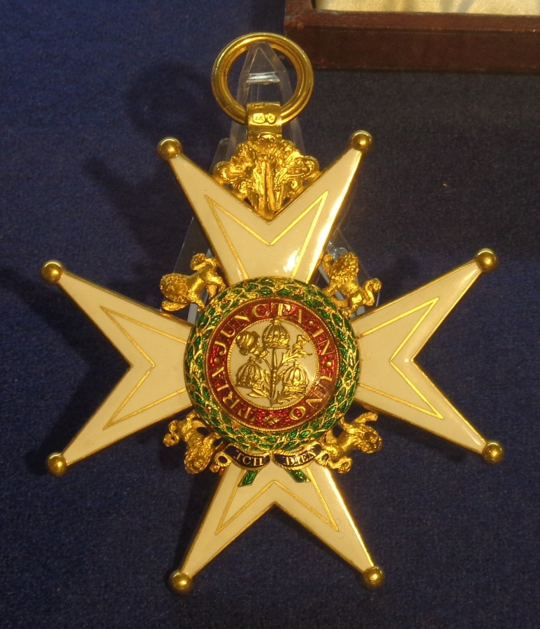 Order_of_the_Bath_grand_cross_military_division_badge_(United_Kingdom_1823)_-_Tallinn_Museum_of_Orders