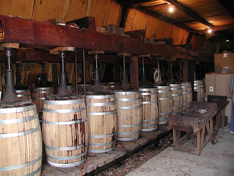perique-tobacco-barrels750