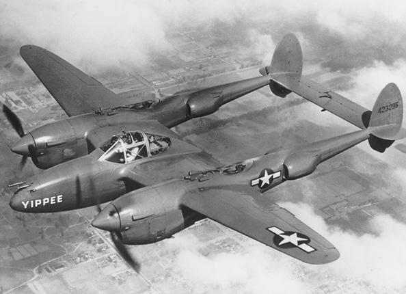 Lockheed_P-38_Lightning_USAF