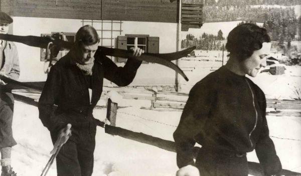 Wallis_Simpson_and_Prince_1935