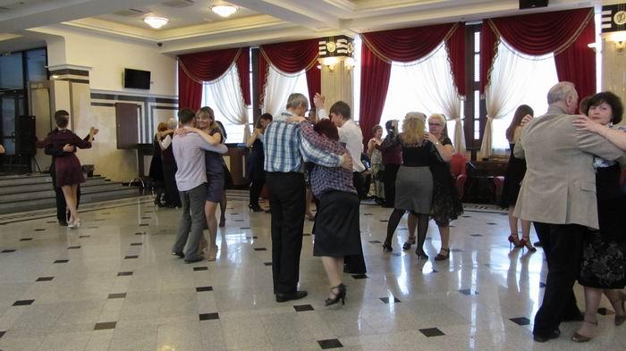 Мастер-класс по танго. Показывали самые основы, но выходили все, даже те, кто очень хорошо танцует.