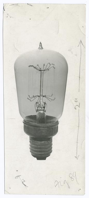 Tantalum filament lamp, 1906 .
