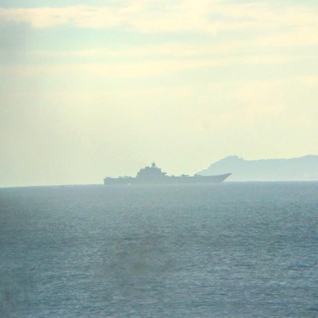 Адмирал Кузнецов в Гибралтарском проливе