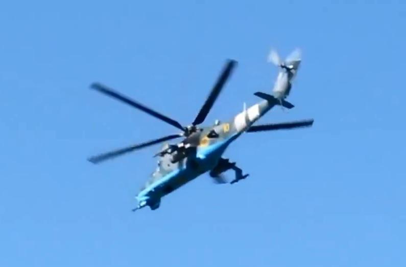 Mi-24 N10 yellow-001