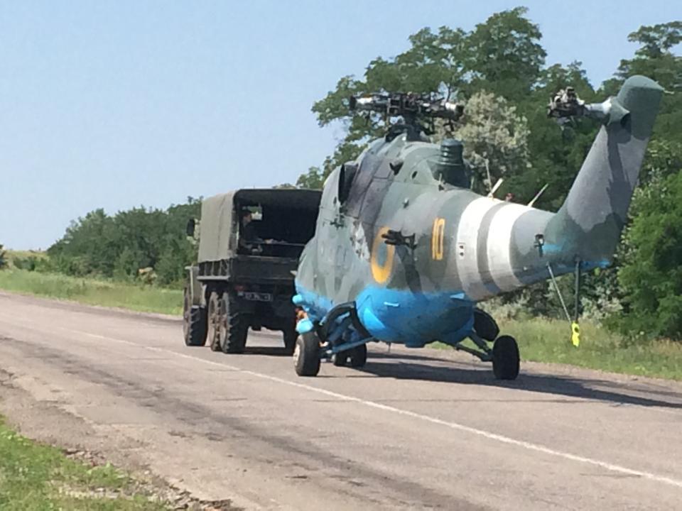 Mi-24 N10 yellow-013