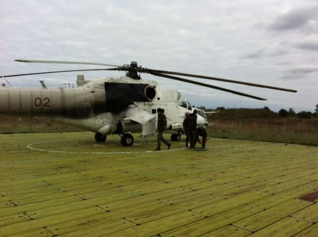 Mi-24 N02 red-002