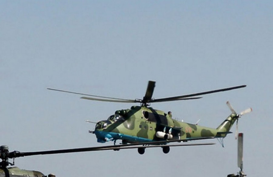 Mi-24 N29 red-005