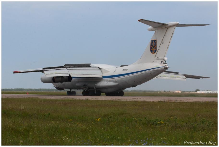 IL-76 N76777-004