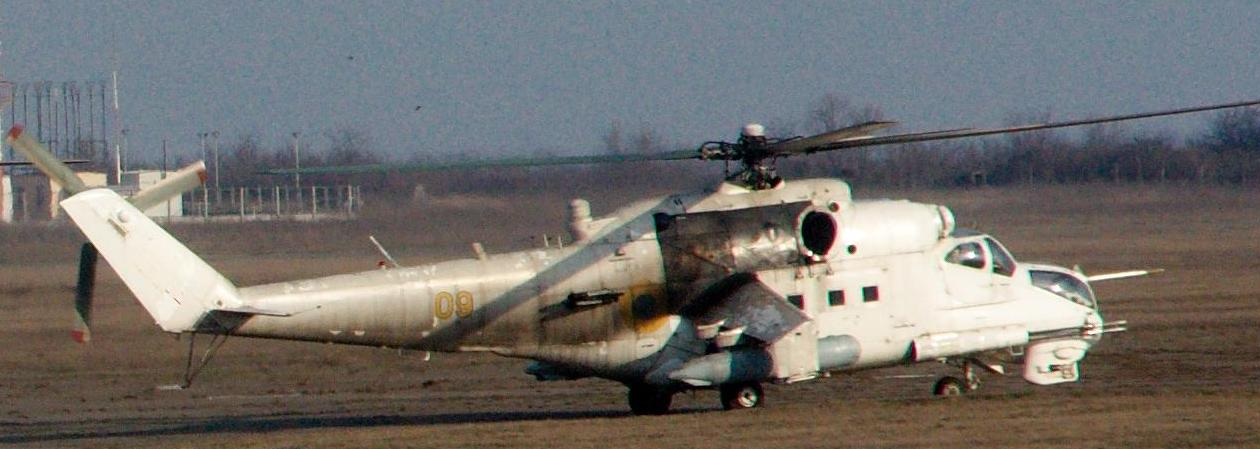Mi-24 N09 yellow green camo-004