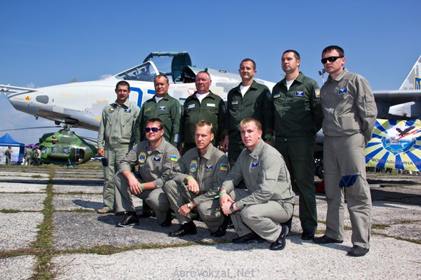Crew-012