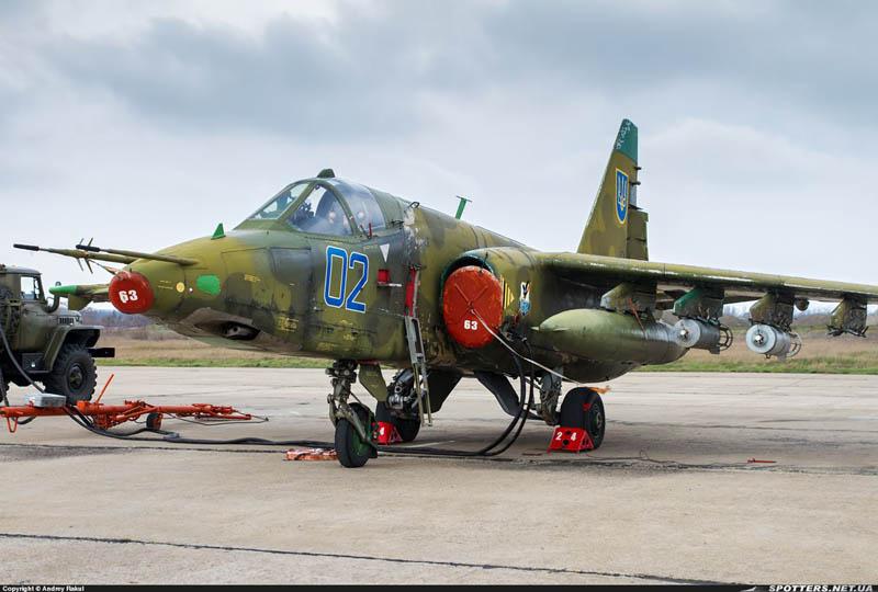 Su-25 N02-001