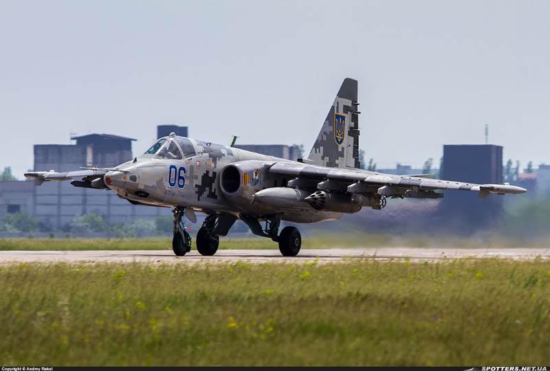 Su-25 N06-007