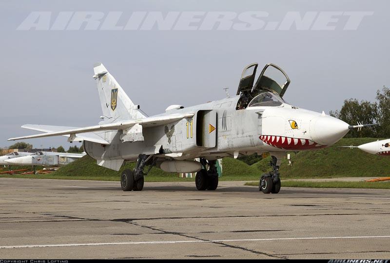 Su-24 N11-006
