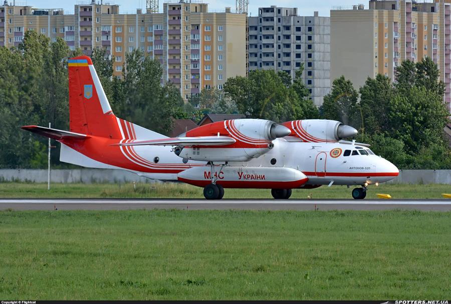 An-32P N32 Black-001_1