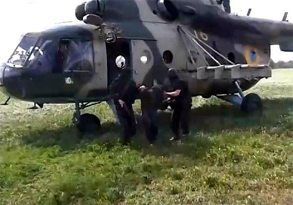 Mi-8 N16 yellow-007