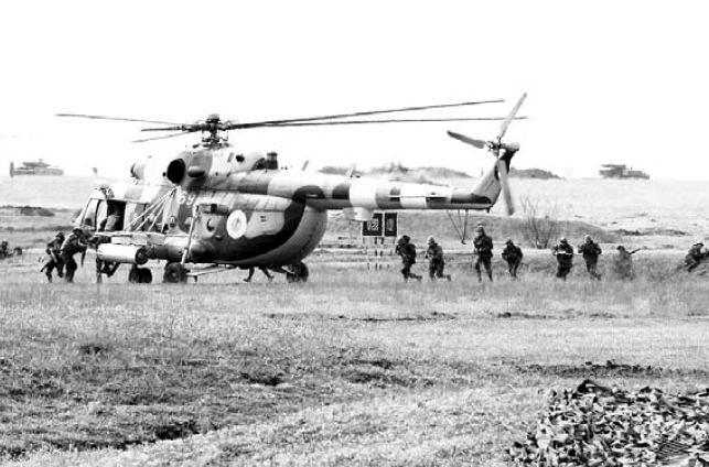 Mi-8 N69 blue-017