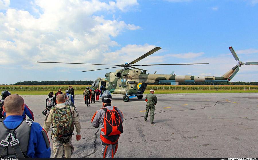 Mi-8 N69 blue-021
