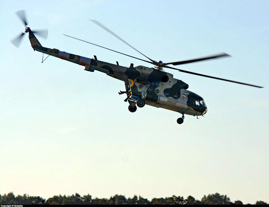 Mi-8 N69 blue-022