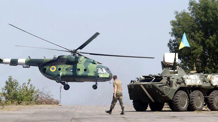 Mi-8 N81 yellow-006