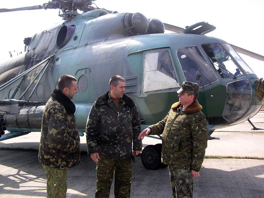 Mi-8 N45 yellow in war-008