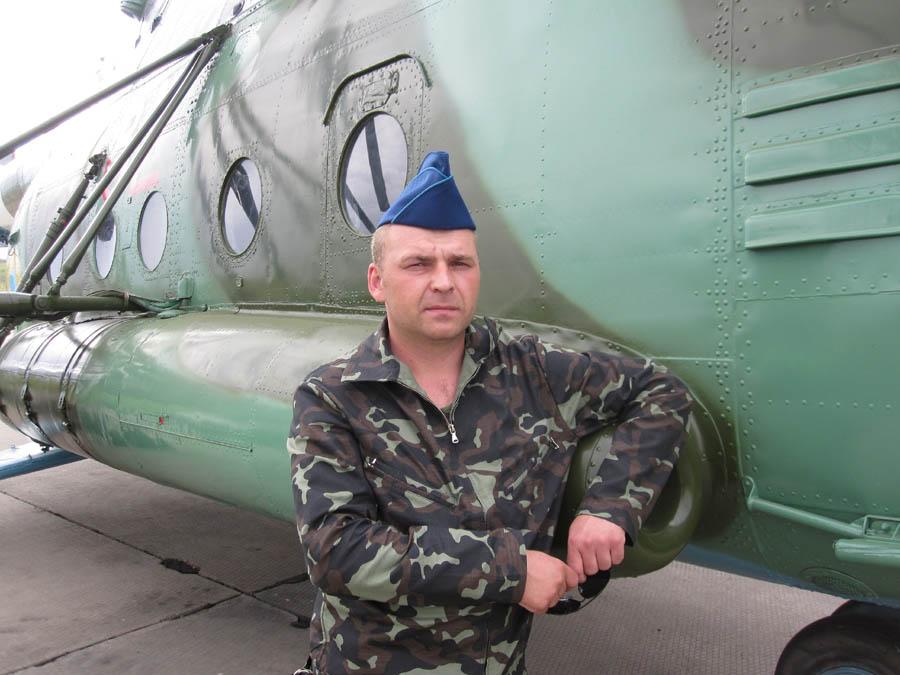 Mi-8 N82 red in war-007
