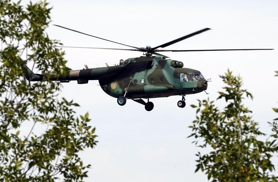 Mi-8 N82 red in war-014
