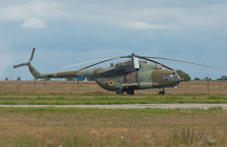 Mi-8 N83 red before war-004